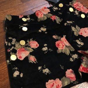 Small Black and flower Shorts NWT